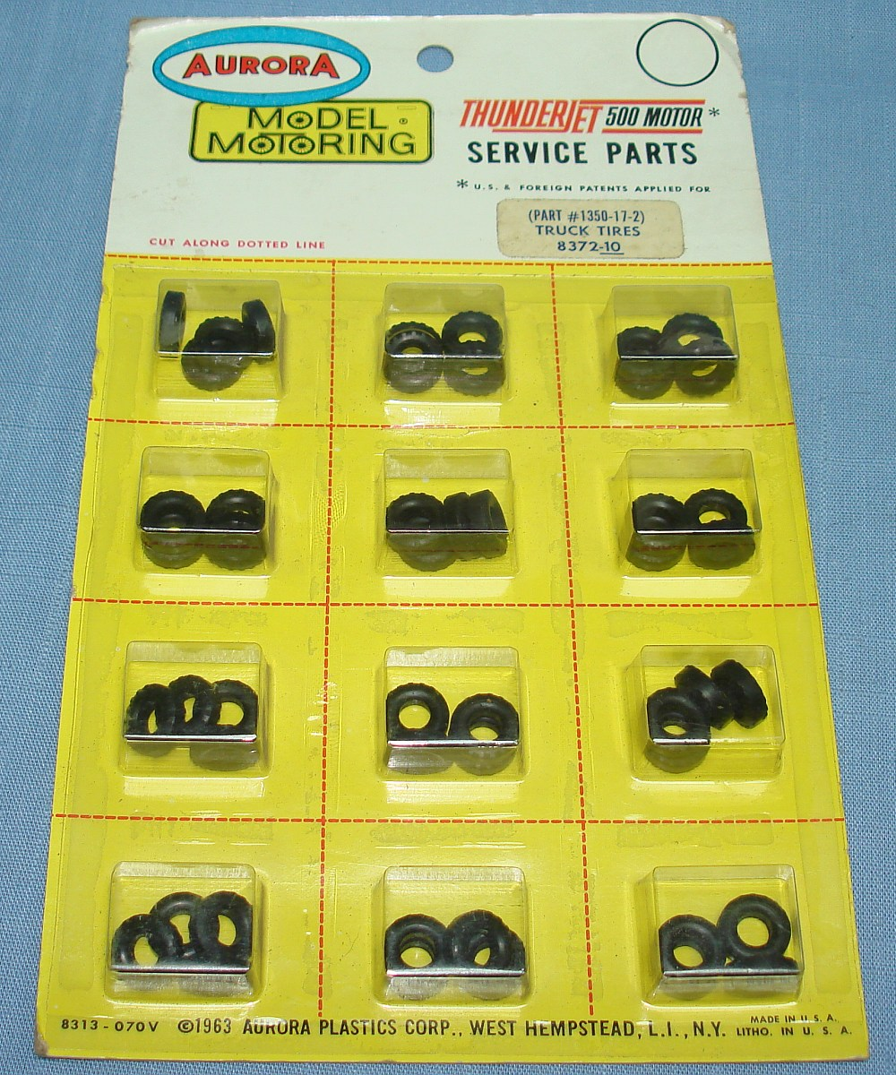 Aurora Model Motoring Thunderjet 500 Motor Service Parts knobby Truck Tires 1350-17-2
