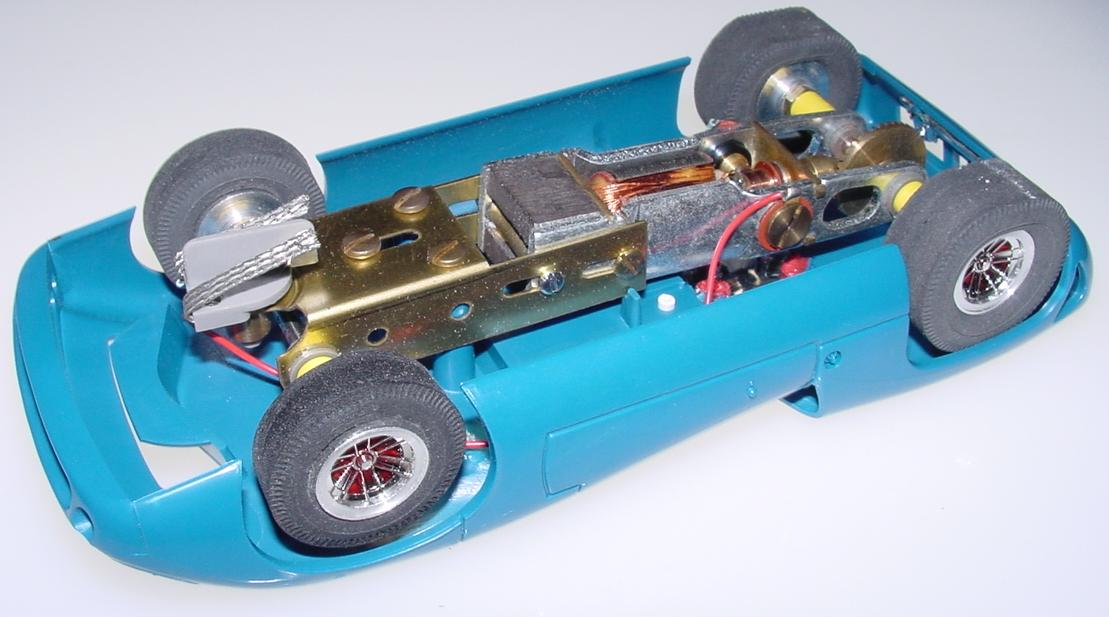 Atlas Blue Lola T70 Slot Car Racing Body AT 406 Chassis