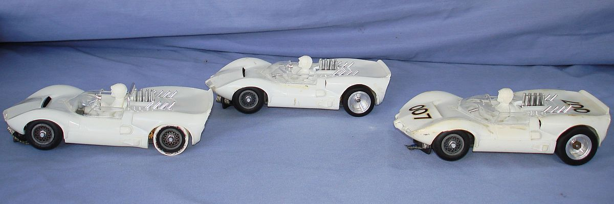 COX 1:24 Scale Slot Car Racing Jim Hall Chaparral Sidewinder Chassis Lot Left Wheel Wells