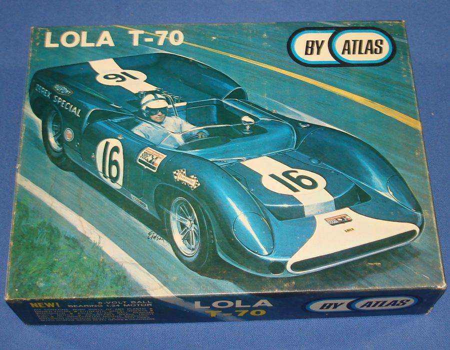 Atlas 1:24 Scale Lola T70 Slot Car Racing Yellow Body Kit #1651 Box