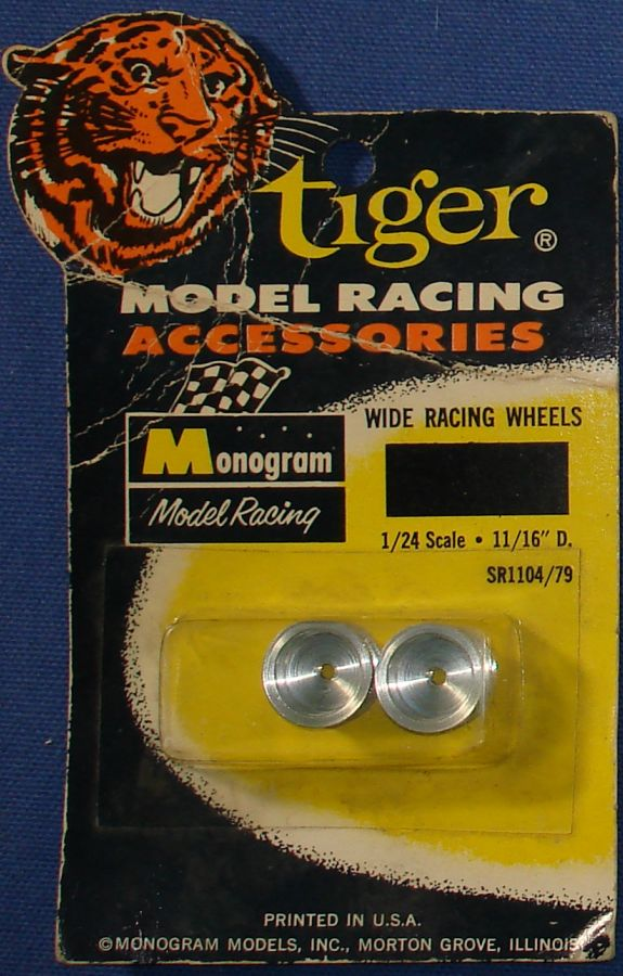 Monogram 1:24 Scale Slot Car Racing Parts Wide Racing Wheels