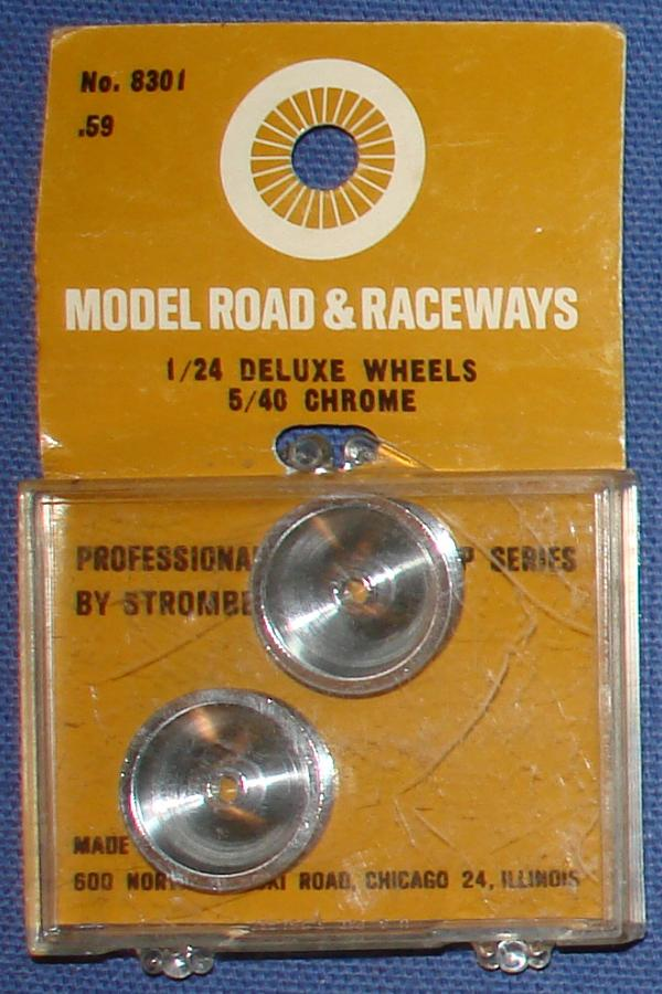 Strombecker 1/24 Electric Road Racing Slot Car Deluxe Chrome Wheels