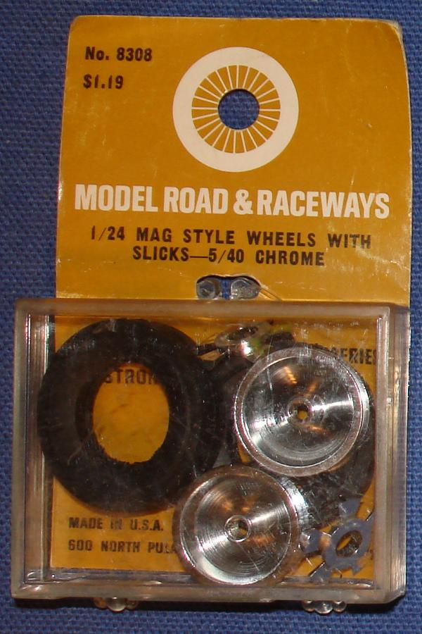 Strombecker 1/24 Electric Road Racing Slot Car Mag Style Chrome 5-40 Wheels With Slicks