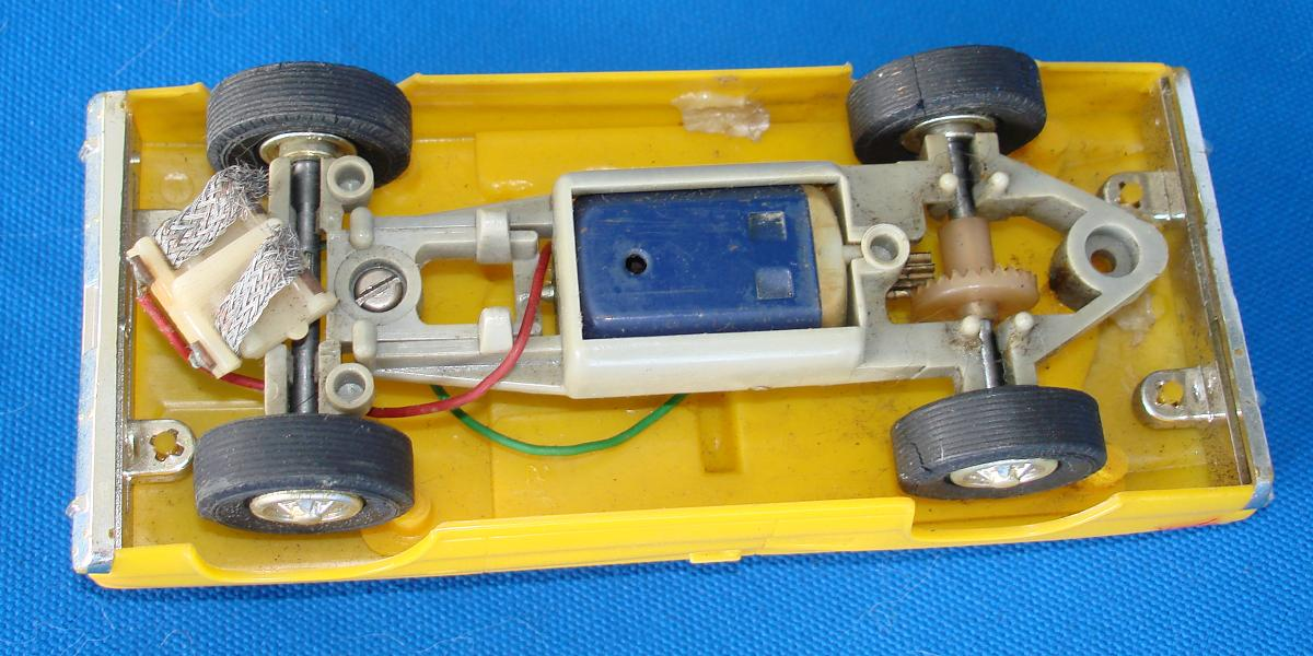 Eldon 1:32 Scale Slot Car Racing Set Runners Chassis
