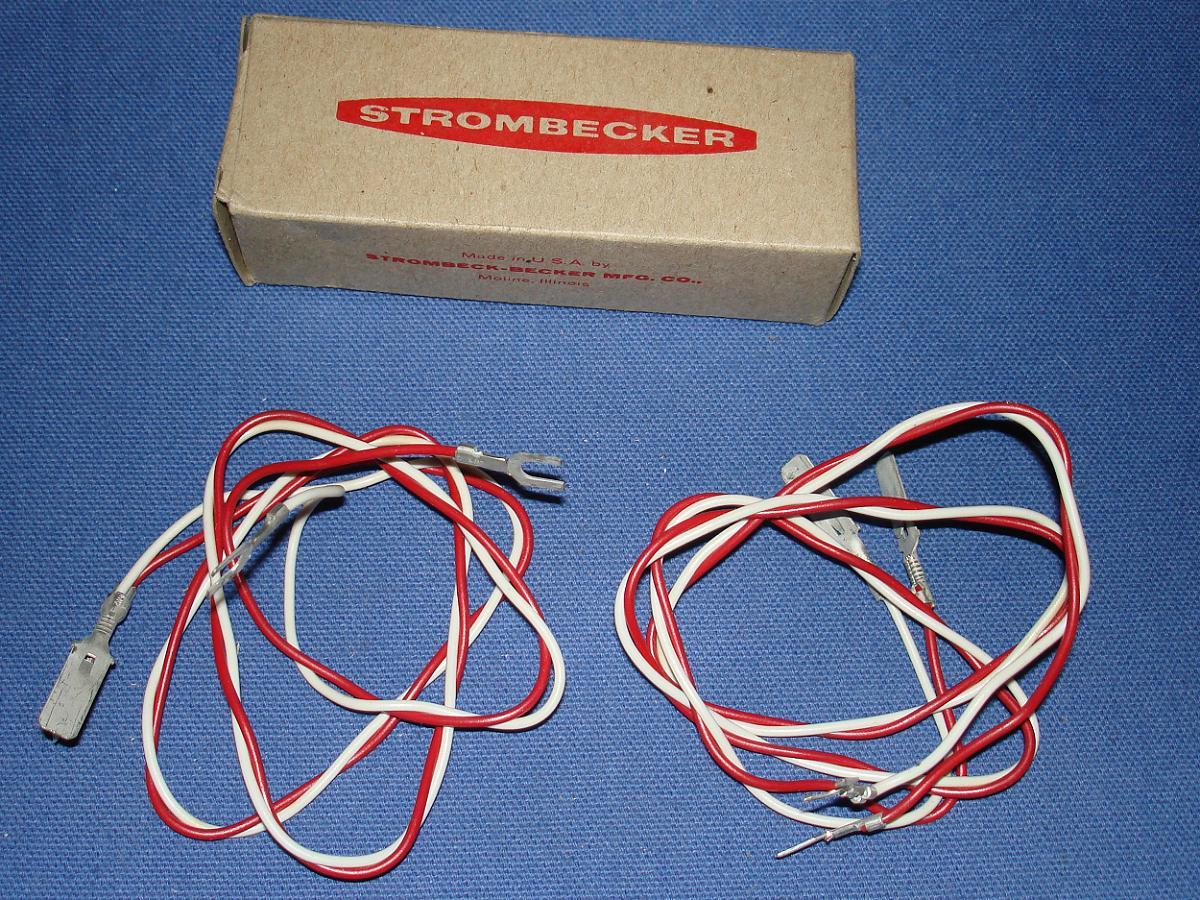 Strombecker 1:32 Electric Road Racing Slot Car Transformer Track Connector