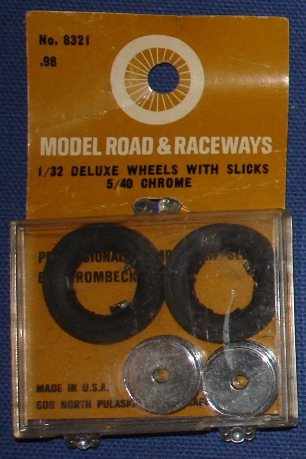 Strombecker 1/32 Electric Road Racing Slot Car Deluxe Chrome Wheels With Slicks