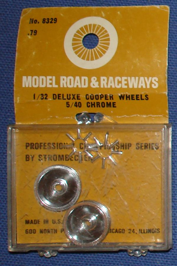 Strombecker 1/32 Electric Road Racing Slot Car Deluxe Chrome Wheels & Cooper Inserts