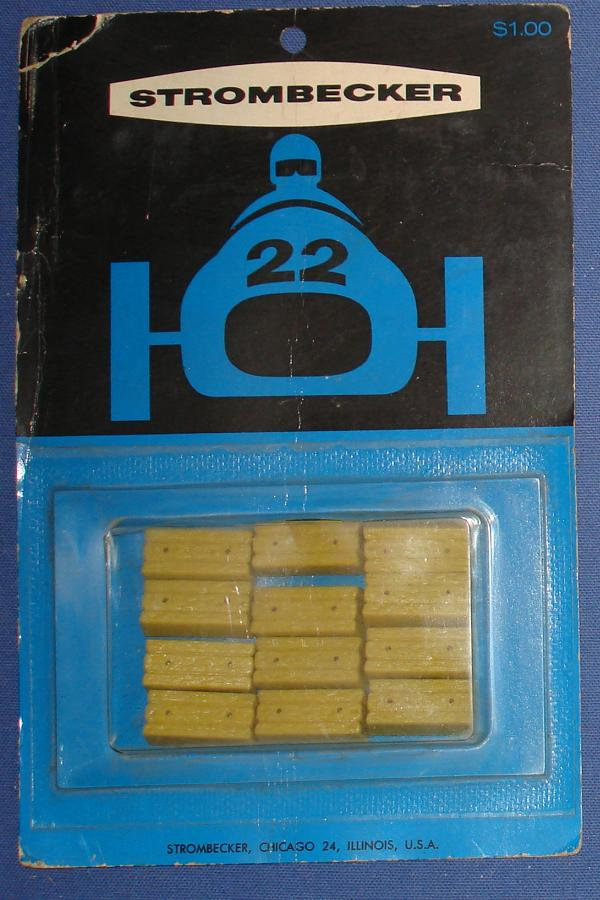 Strombecker 1/32 Electric Road Racing Slot Car Track Accessories Hay Bales NOS