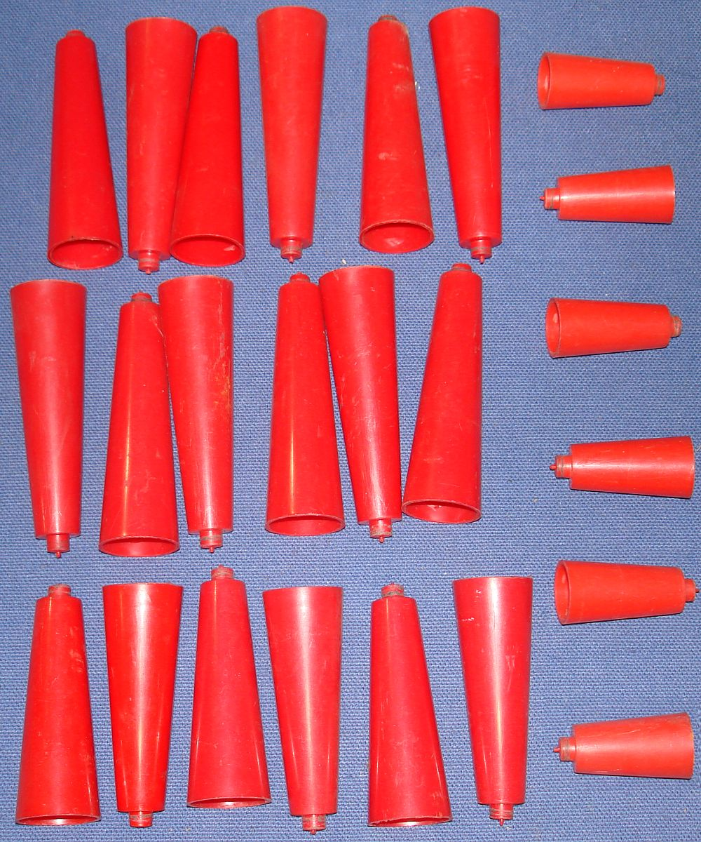 Strombecker 1:32 Scale Slot Car Racing Track Red Elevation Support Cones