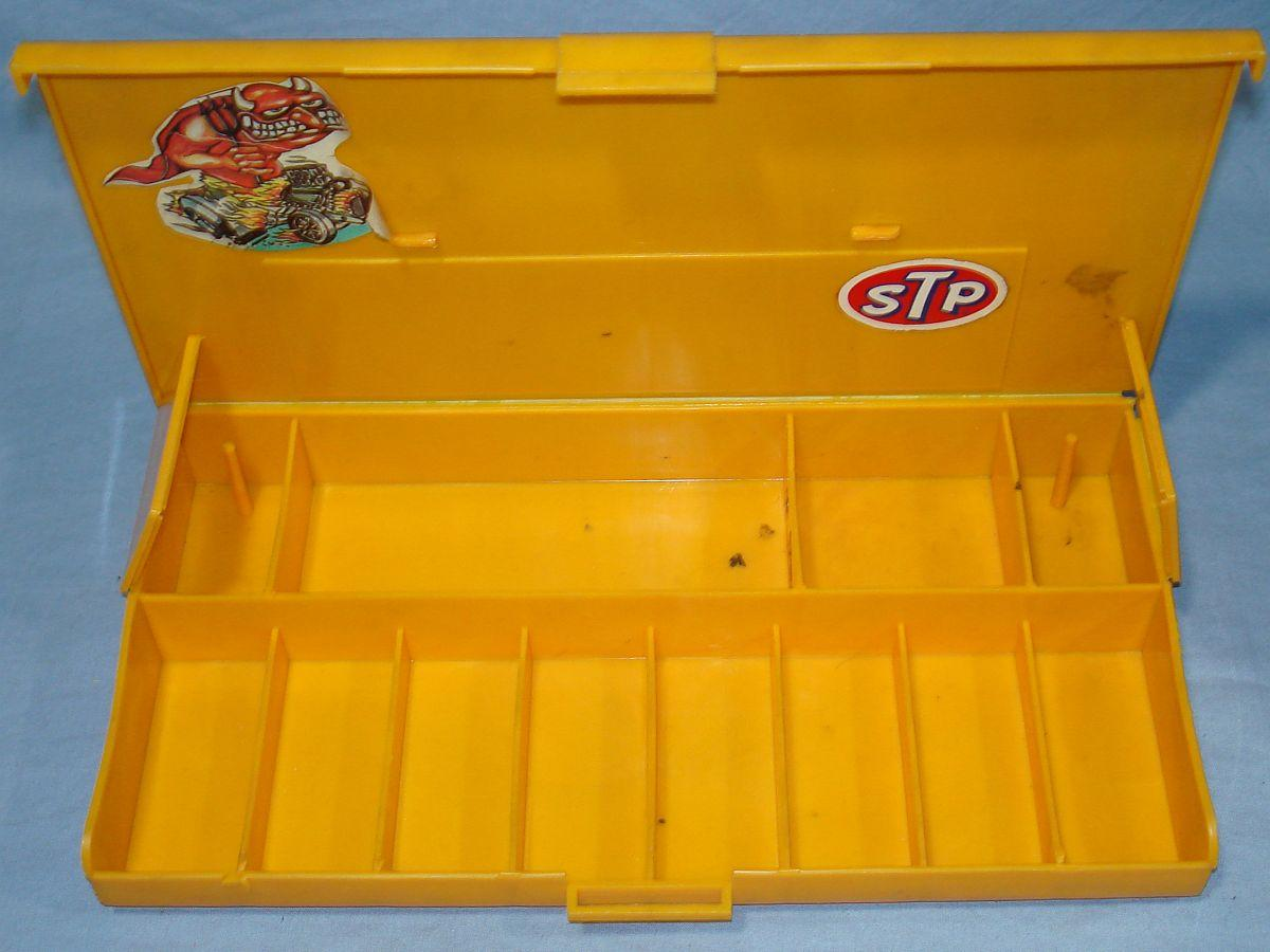 Aurora AFX HO Scale Slot Car Racing Yellow Pit Case Compartments