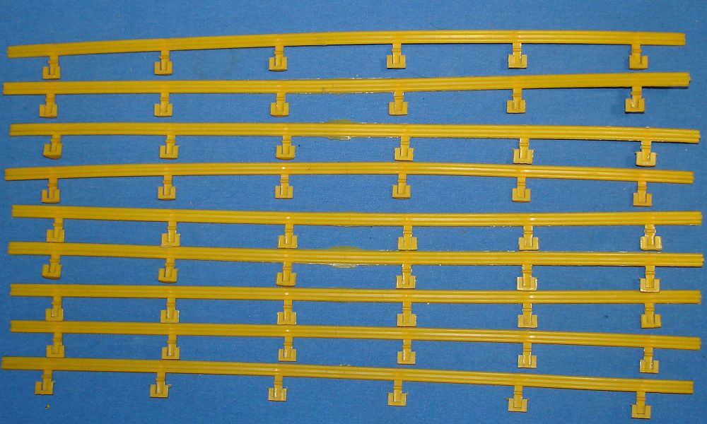 Aurora Model Motoring HO Scale Slot Car Racing Yellow Guard Rails With Posts Lot 10 Sections