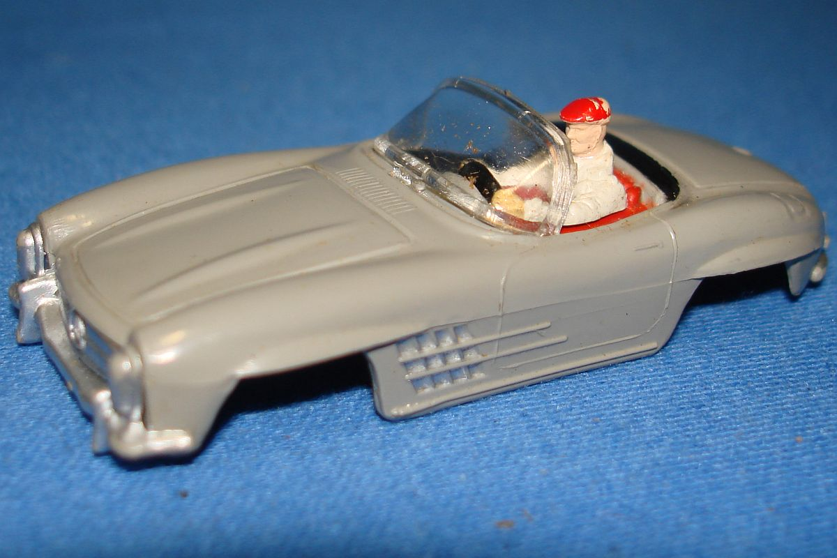 Aurora Model Motoring Slot Car Racing Grey Mercedes Benz 300SL Vibrator Hood Windshield