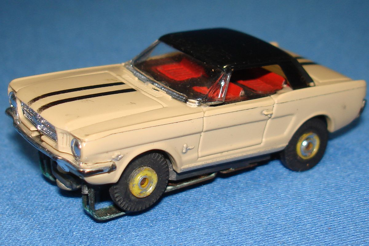 Aurora Model Motoring Slot Car Racing Tan Ford Mustang Hard Top Hood Windshield
