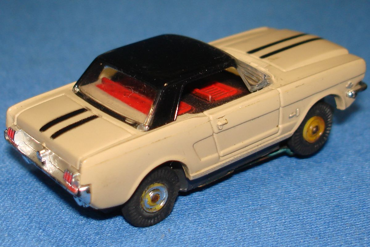 Aurora Model Motoring Slot Car Racing Tan Ford Mustang Hard Top Trunk