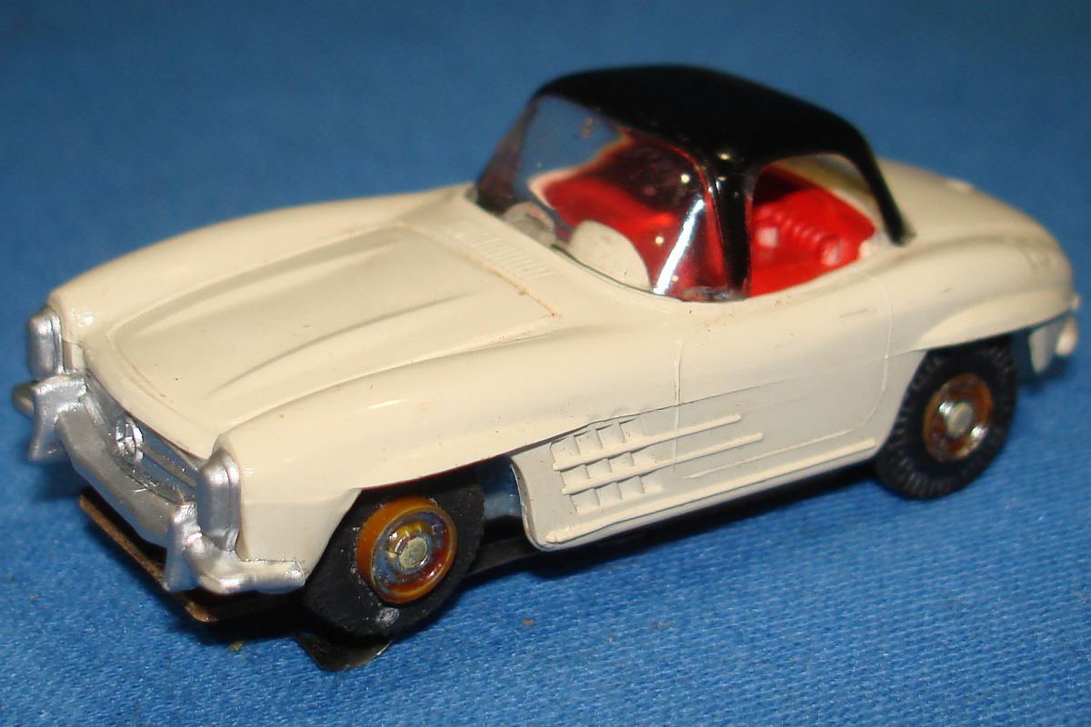 Aurora Model Motoring Slot Car Racing White Mercedes Benz 300SL Vibrator Hood Windshield