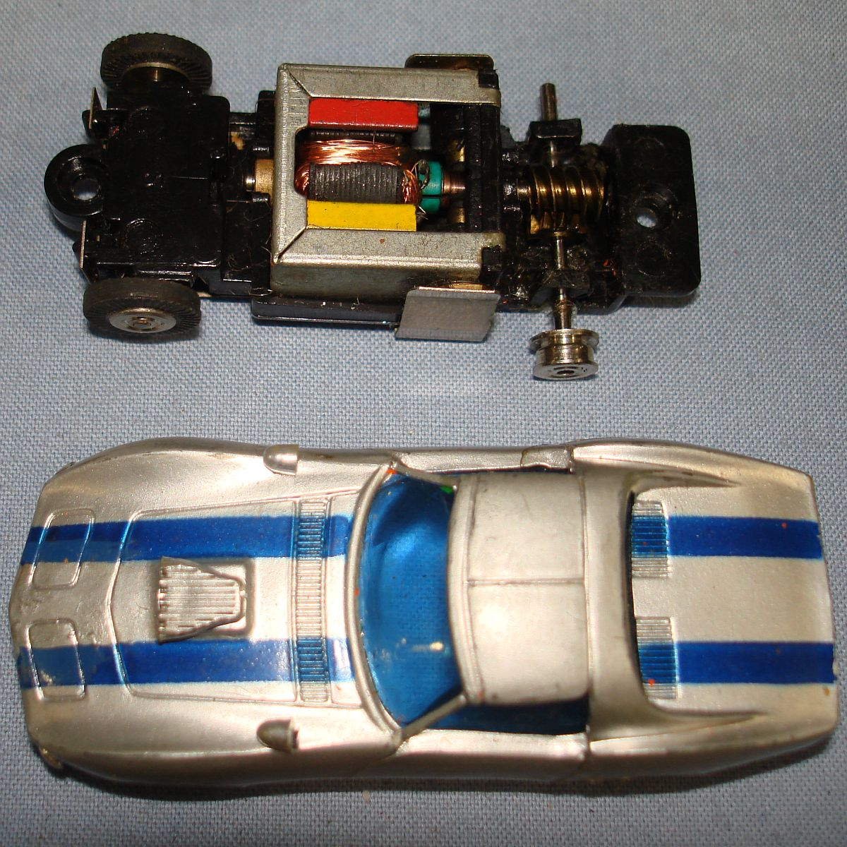 Bachmann Groove Busters Racing Team Chevy Vette Body 9114 Slot Car Hood Roof