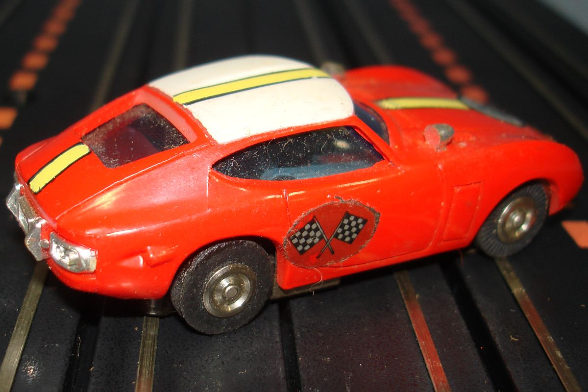 Bachmann Groove Busters Racing Team Toyota 2000 GT 9112 Slot Car Exhaust
