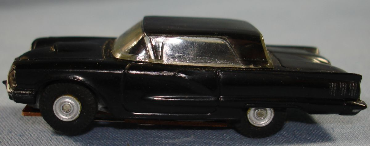 Vintage Aurora Model Motoring Vibrator Slot Car Black Ford Thunderbird Driver Door
