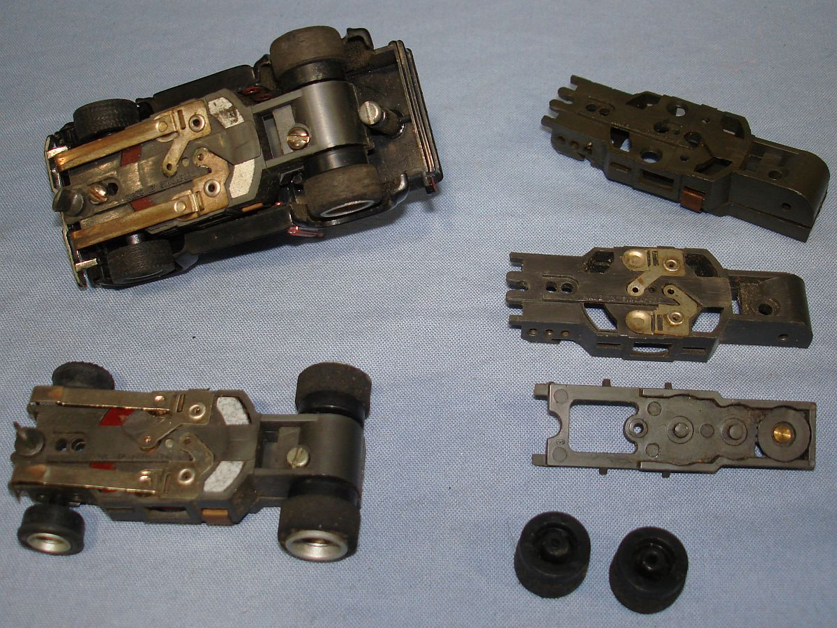 Aurora AFX HO Slot Car Racing 4 Gear Specialty Chassis Lot Pickup Shoes