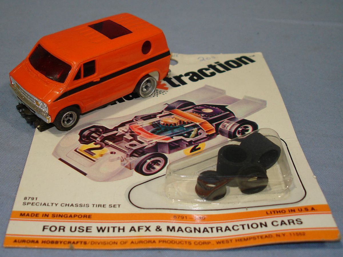 Aurora AFX HO Scale Slot Car Racing Dodge Street Van Specialty 4 Gear Chassis Tire Set
