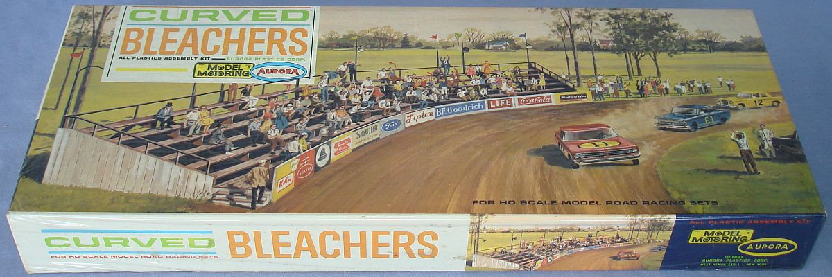 Aurora Model Motoring HO Scale Slot Car Racing Curved Bleachers Building Kit 1456 Box