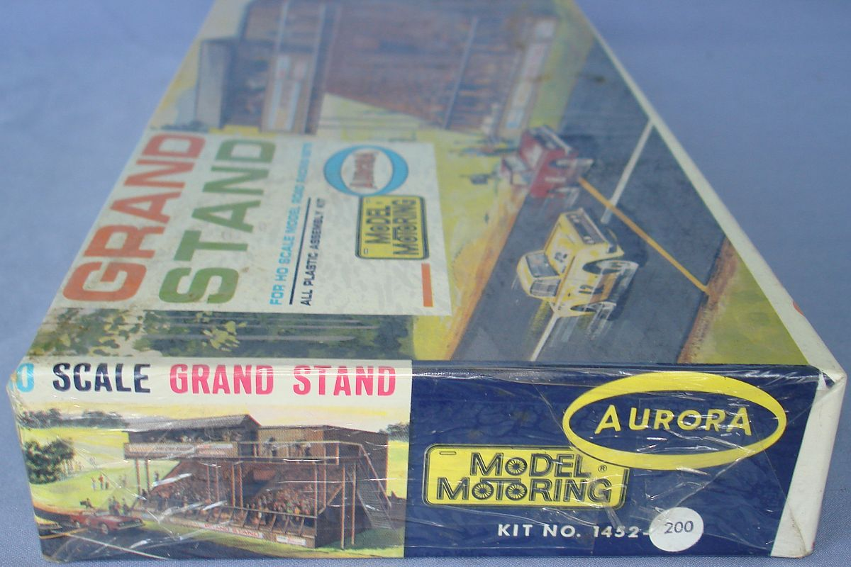 Aurora Model Motoring HO Scale Slot Car Racing Grand Stand Building Kit 1452 Box Panel