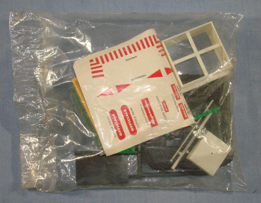 Atlas HO Scale Slot Car Track Layout Officials Stand #1409