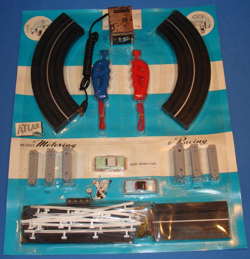 Atlas HO Scale Over & Under Slot Car Racing Track Set #1202A Contents