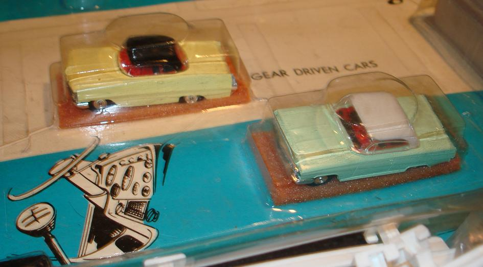 Atlas HO Scale Over & Under Slot Car Racing Track Set #1202 Cars