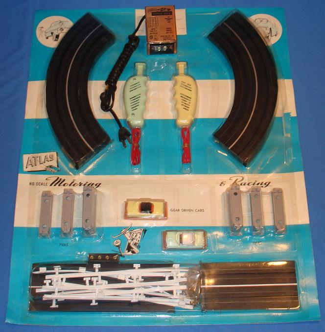 Atlas HO Scale Over & Under Slot Car Racing Track Set #1202 Contents
