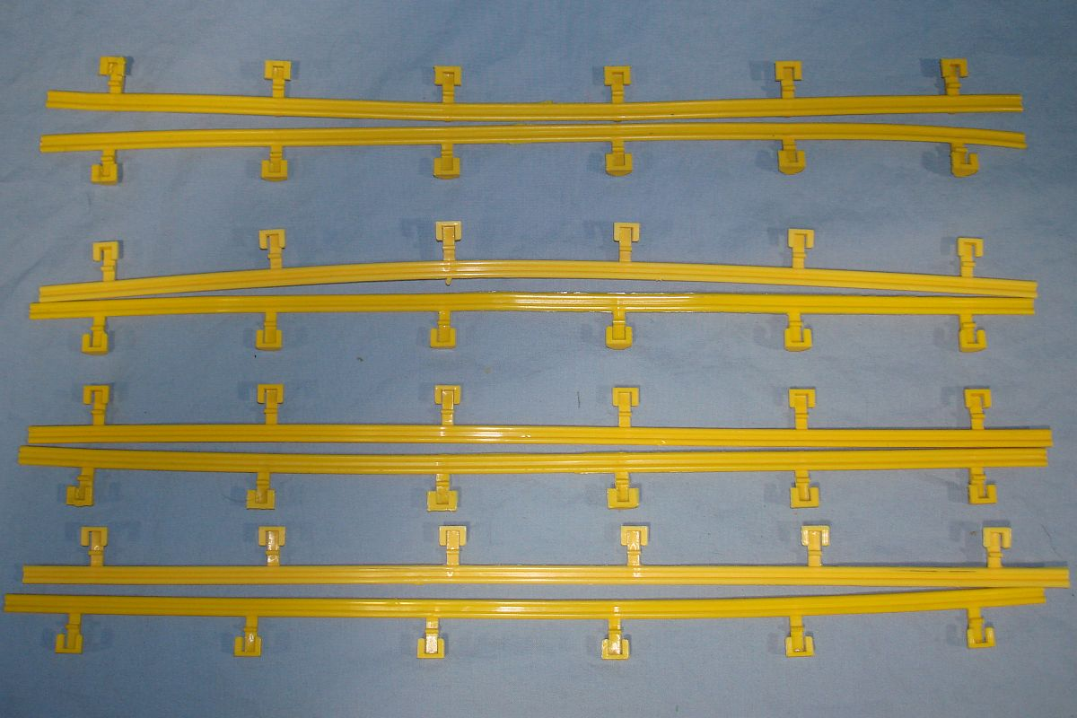 Aurora AFX HO Scale Slot Car Racing Track Yellow Snap-On Guard Rail