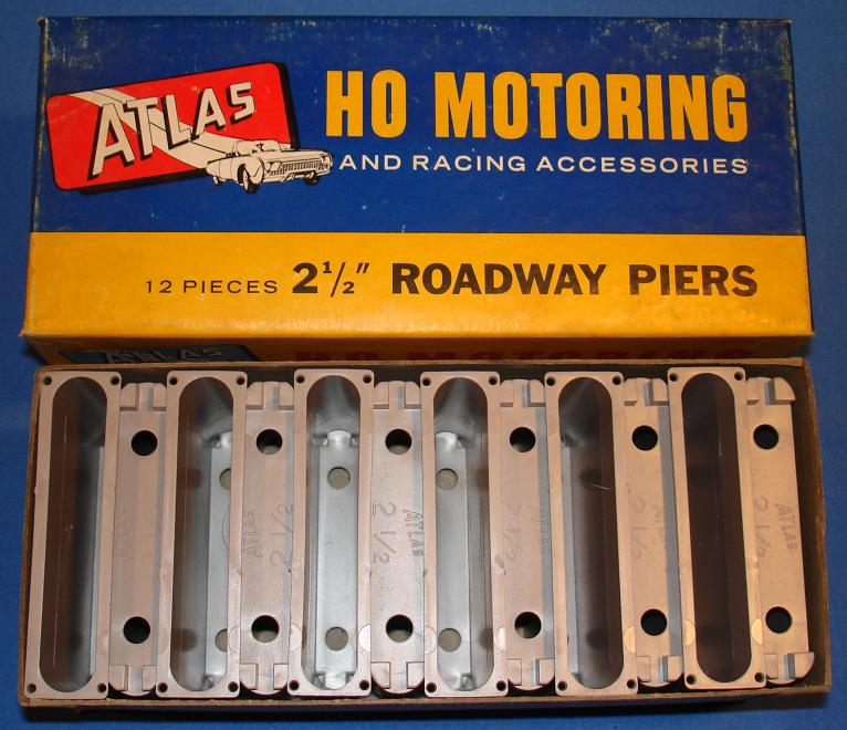 Atlas HO Slot Car Track 2 1/2 Inch Roadway Piers Stock Number 1254