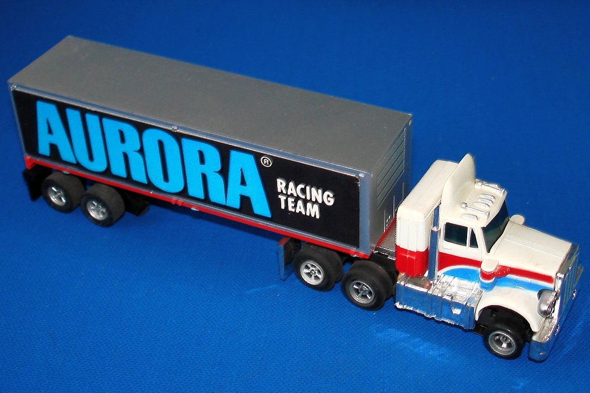 Aurora AFX HO Lited Rigs Peterbilt Cab Slot Car Racing Team Trailer Truck #1157