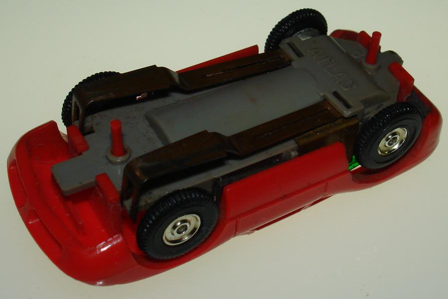 Atlas HO Scale Red Ford Lola 1102 Slot Car Chassis