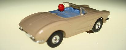 Atlas HO Slot Car Tan Chevrolet Corvette Convertible