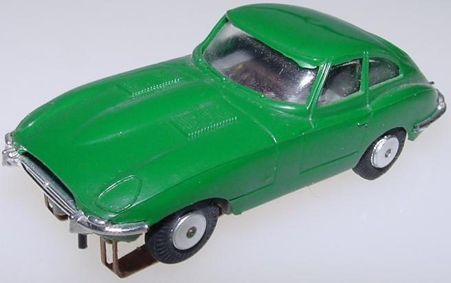 Atlas Jaguar XKE Zingers #1303 HO Slot Car British Racing Green