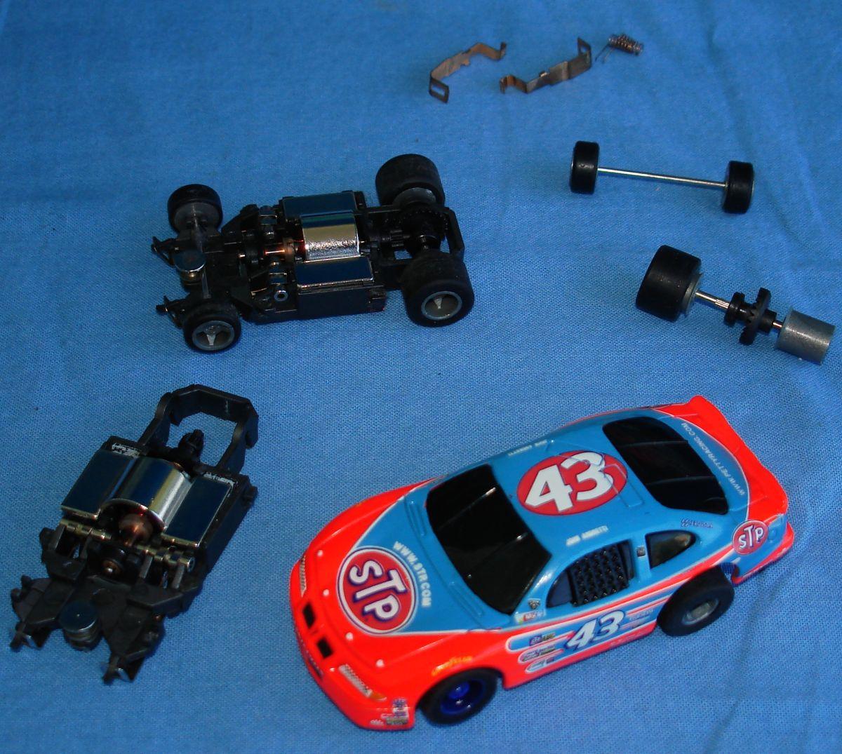 Richard Petty For Sale: LIFE LIKE ELECTRIC RACING NASCAR 500 RICHARD PETTY STP #43