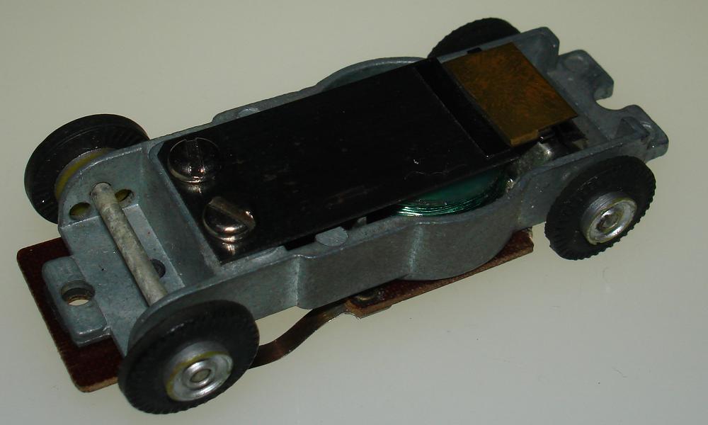 Aurora Model Motoring Vibe Embossed Slot Car Chassis Actuator Reed