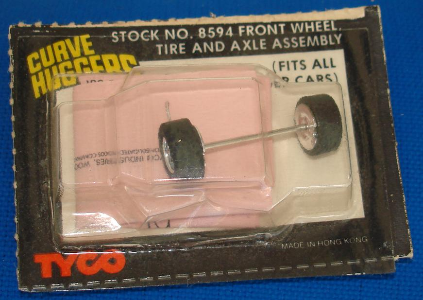 Tyco Curve Huggers Slot Car Replacement Part Front Wheel Tire Axle Assembly
