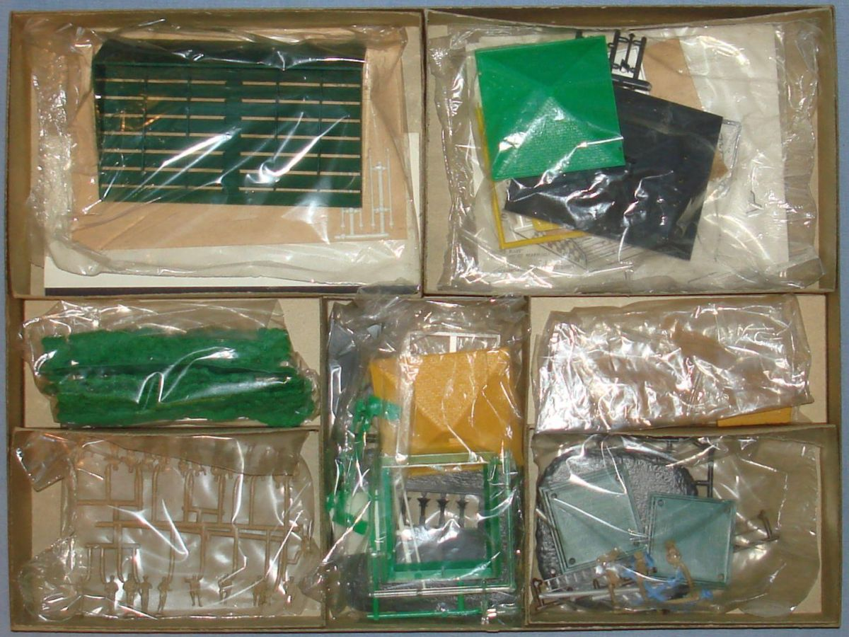 Atlas HO Slot Car Racing Motoring Accessory Landau Set Box Contents #1401-595