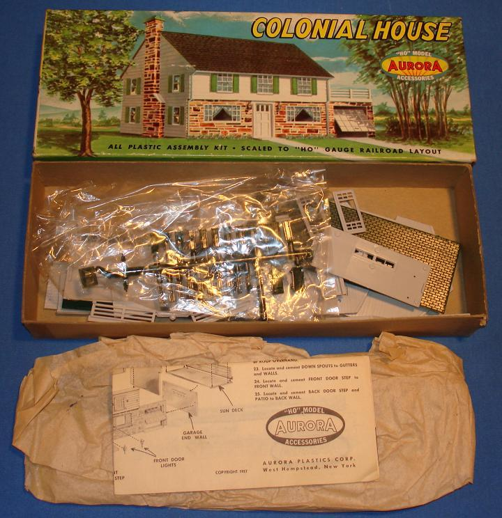 Aurora HO Scale Slot Car Scenery Colonial House Model Kit #652