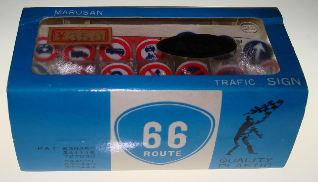 Marusan HO Scale Made In Japan Slot Car Road Racing Scenery 21 Traffic Signs NMIB Sleeve A Route 66