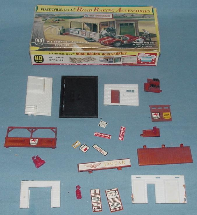 Plasticville USA Road Racing Accessories Pit Stop Kit #2775