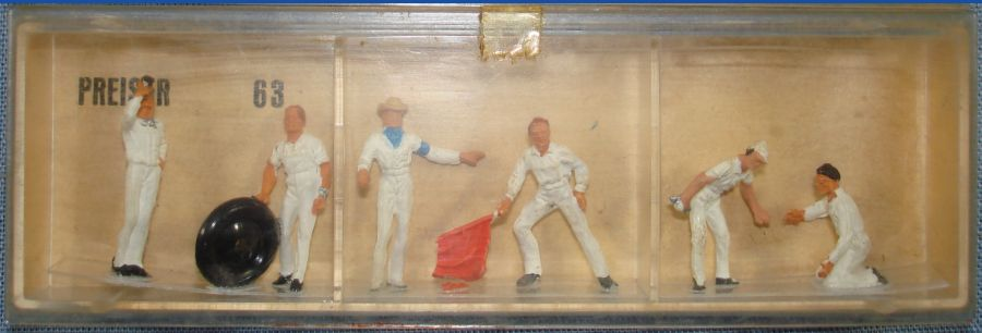 Vintage Preiser HO Slot Car Racing Figures #63 Pit Crew White Uniform Made In Germany
