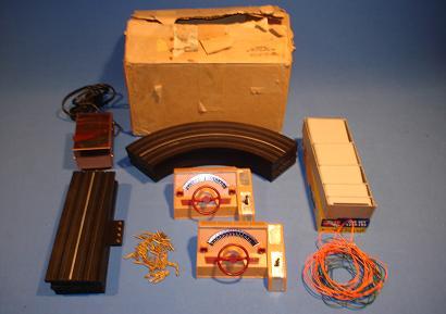 ATLAS MOTORING HO 1:87 SCALE SLOT CAR RACING TRACK SET 1211 PRETZEL