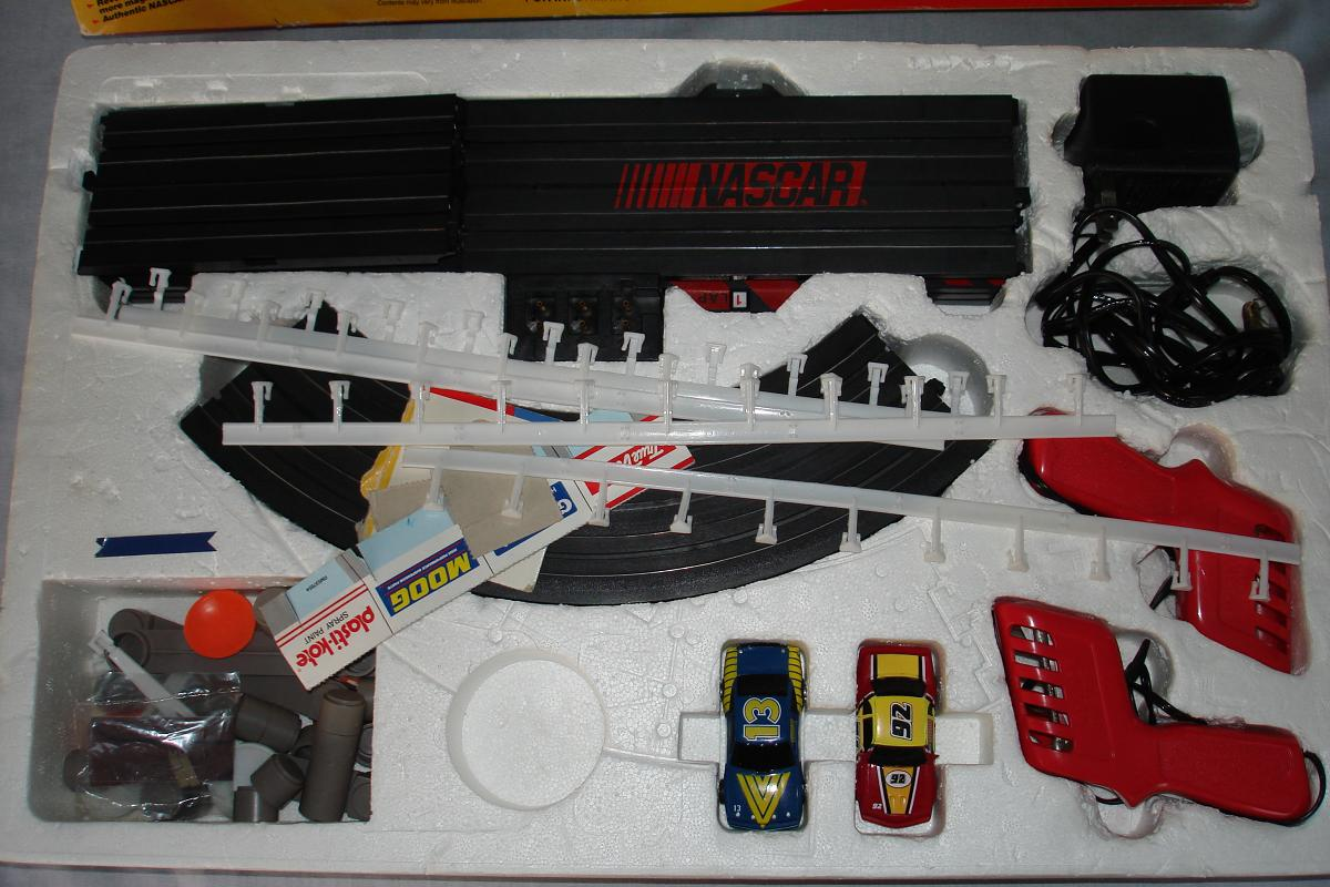 ho slot car racing sets