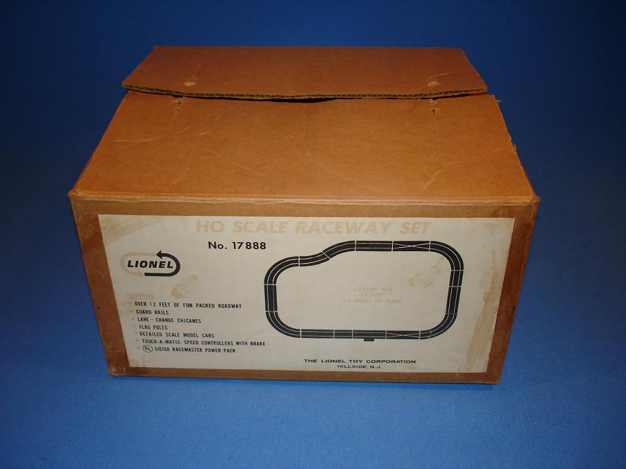 Lionel HO Slot Car Racing Track Set #17888 Box