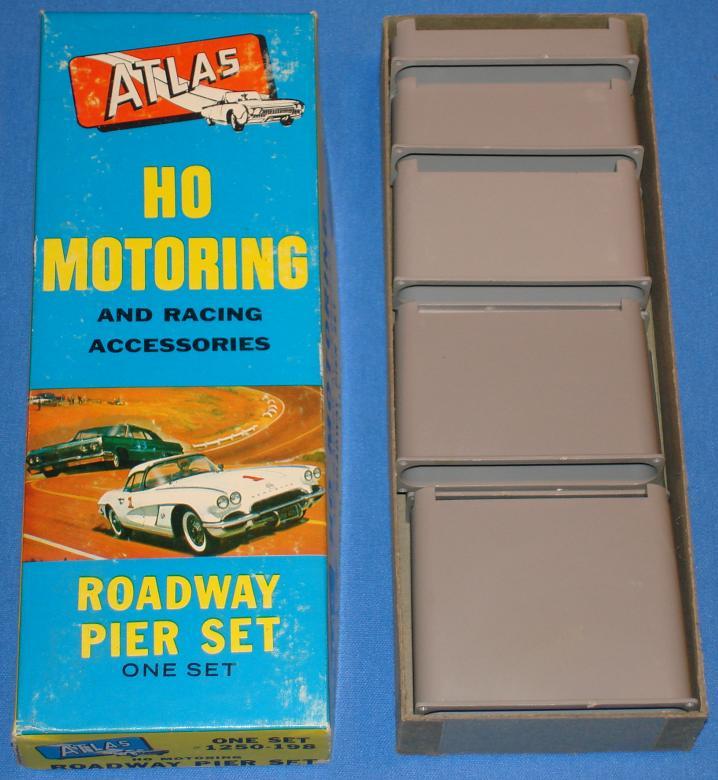 Atlas HO Slot Car Track Roadway Pier Set Stock Number 1250