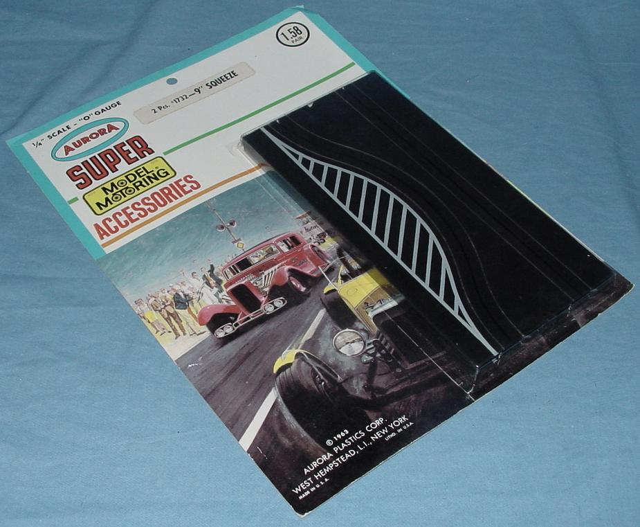 Super Model Motoring Slot Car Squeeze Track