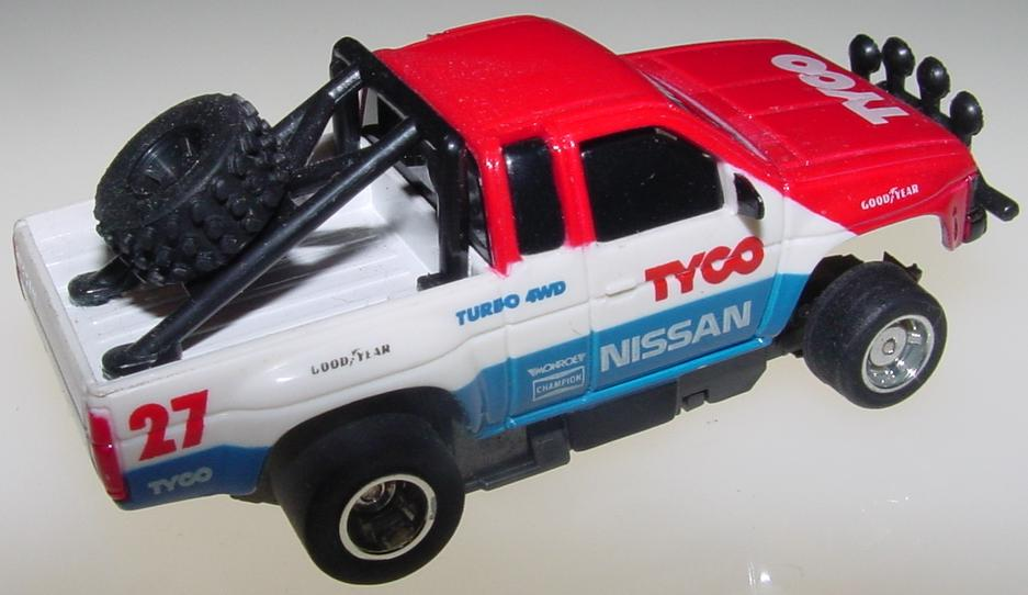 Tyco Nissan Turbo 4WD Pickup Truck Slot Car Runner Bed